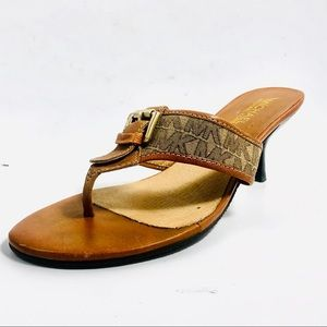 Women's Michael Kors  Sandals/Thongs. flip Flops.